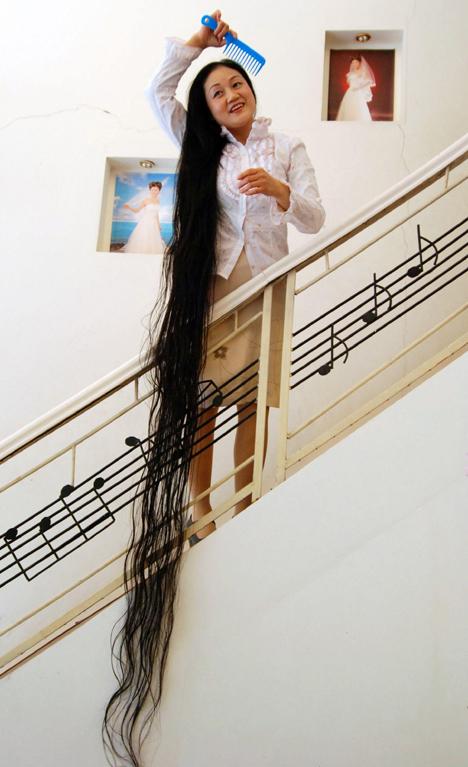 Foto Rambut Terpanjang